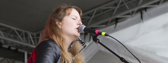 Ellen Sundberg på Rolling Rootsy Revue