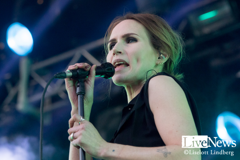 the_cardigans_grona_lund_stockholm_2017_001