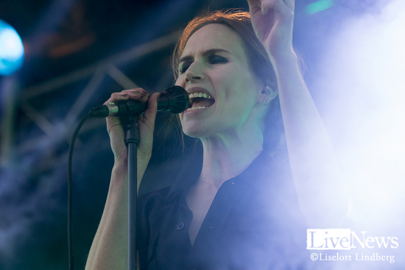 the_cardigans_grona_lund_stockholm_2017_002