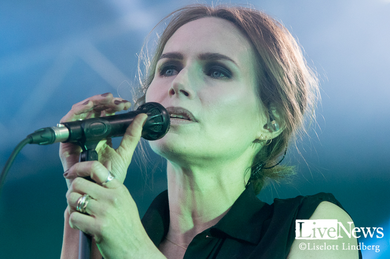 the_cardigans_grona_lund_stockholm_2017_006