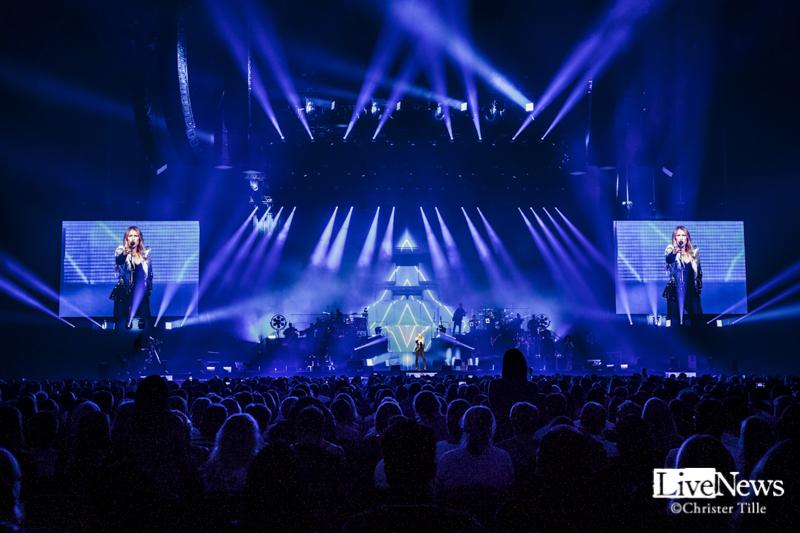 Celine Dion_Tele2_Arena_2017_13