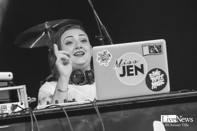 DJ_Miss_Jen_Velocette_Globen_Hundralappen_2017_001