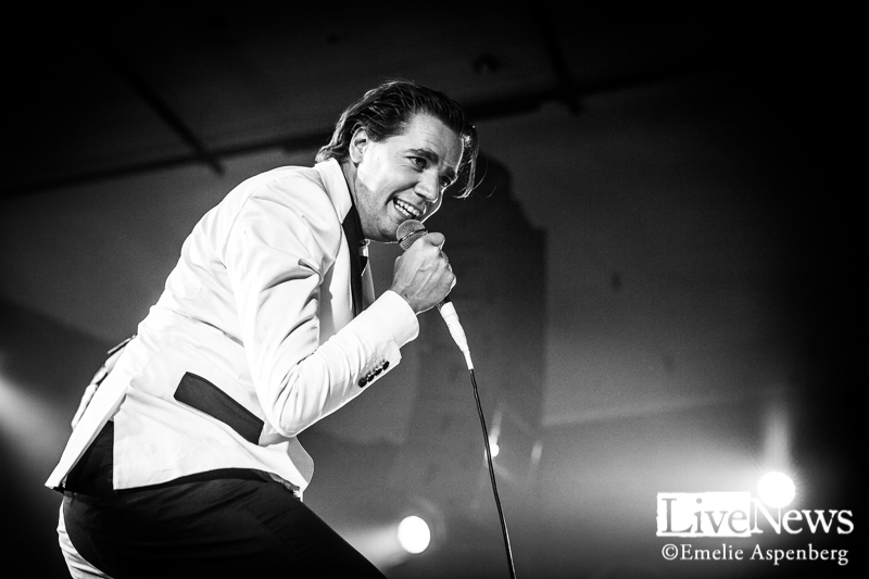 THE HIVES-PARK SOUNDS 2017-9