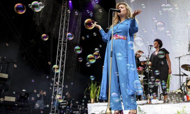 Linnea Henriksson på Popaganda