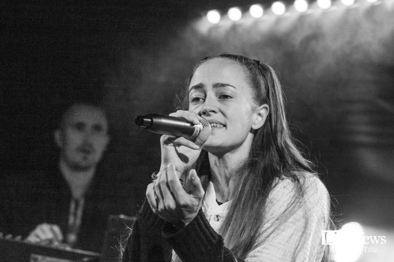 Ayla_Oland_roots_2019_05