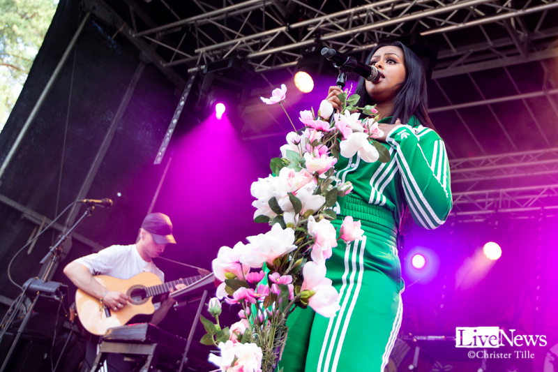 Cherrie_och_band_Oland_Roots_001
