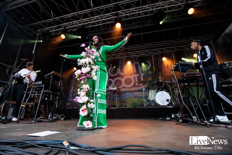 Cherrie_och_band_Oland_Roots_005