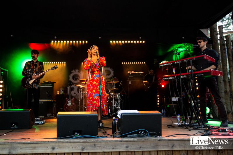 Hollie_Cook_Oland_roots_2019_02