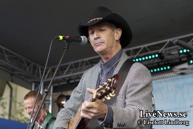 Doug Seegers på Rolling Rootsy Revue