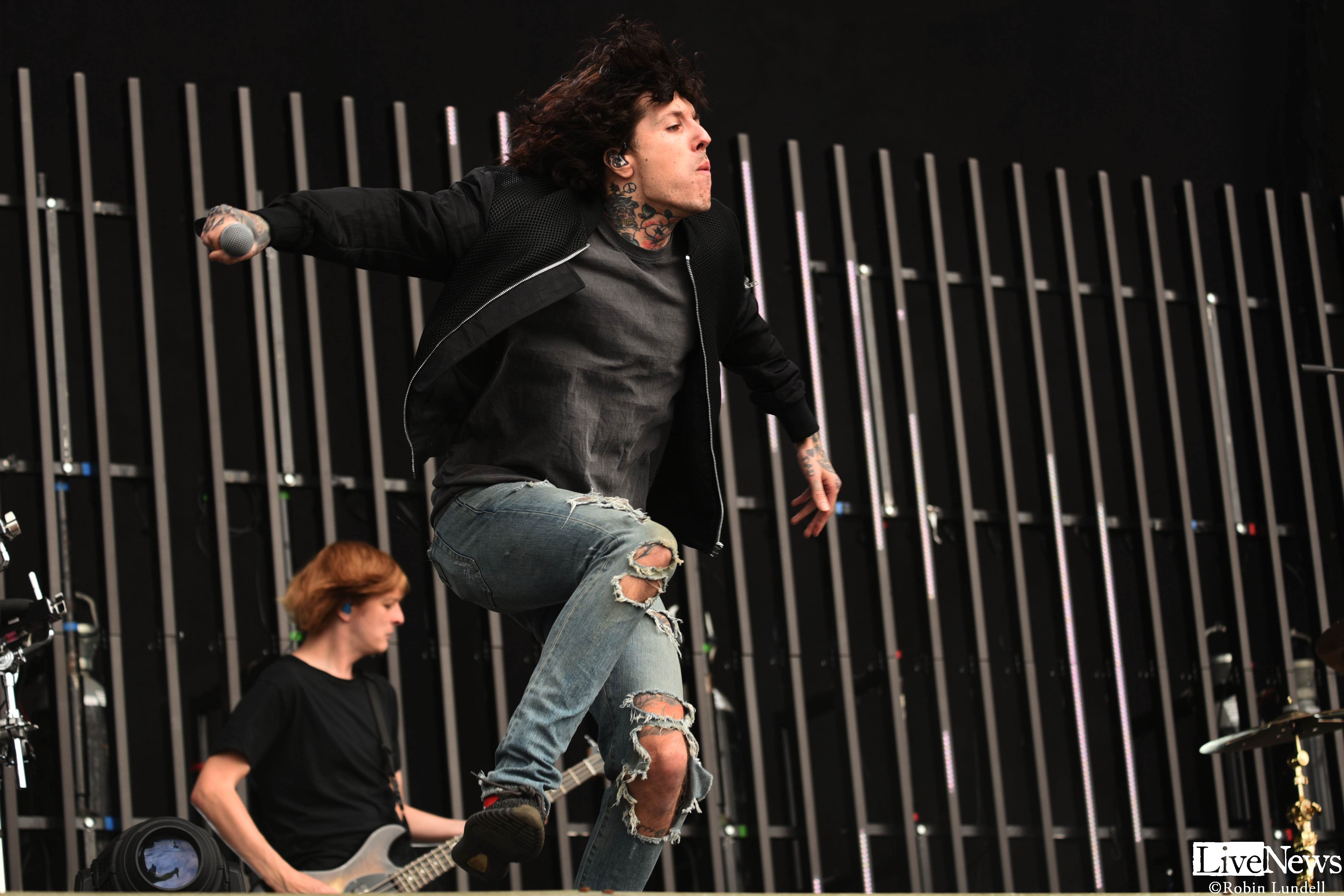 bmth_2