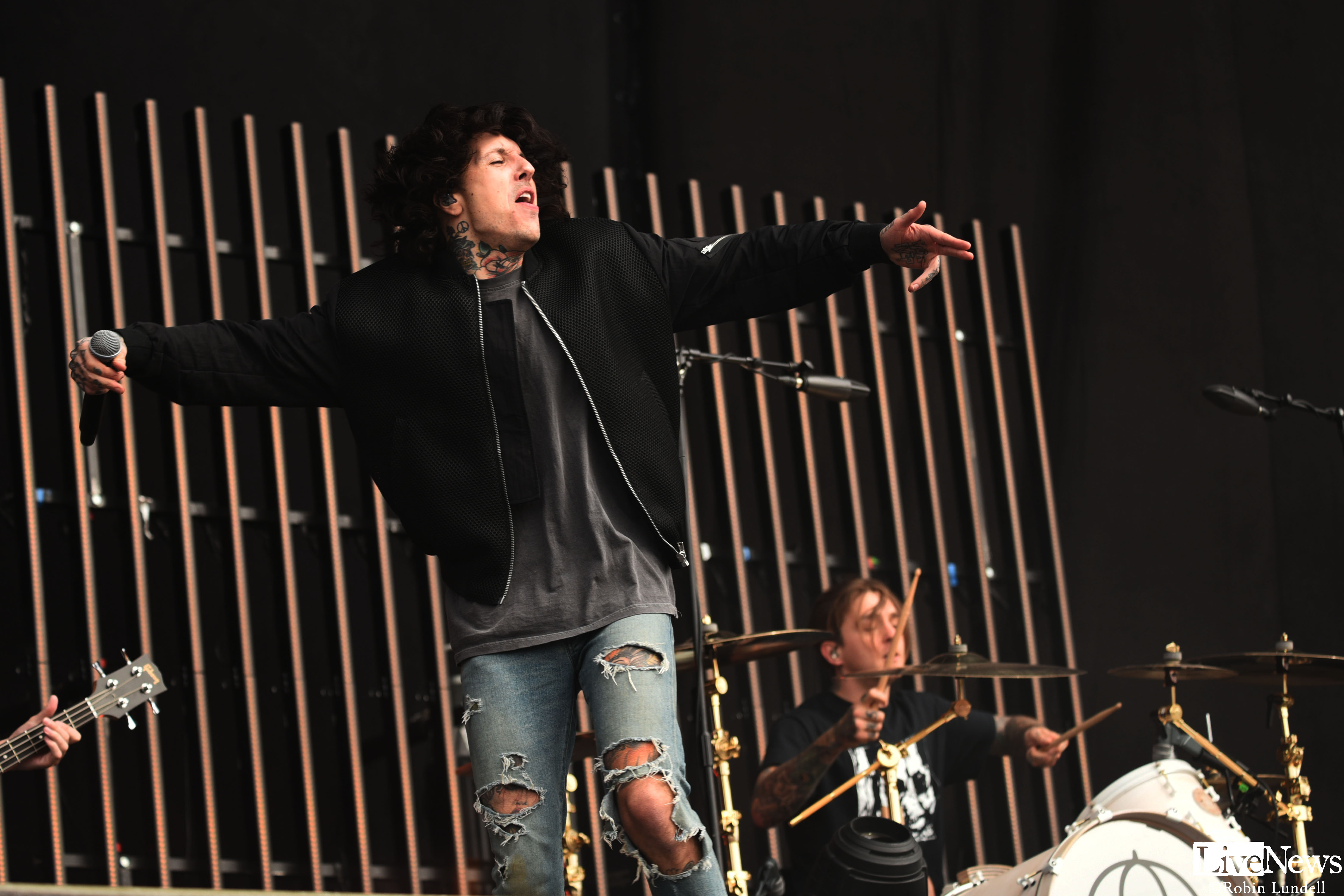 bmth_7