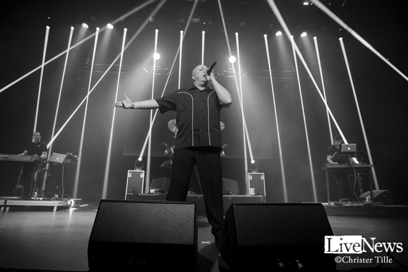 vnv-nation_partille-arena_2016_01a