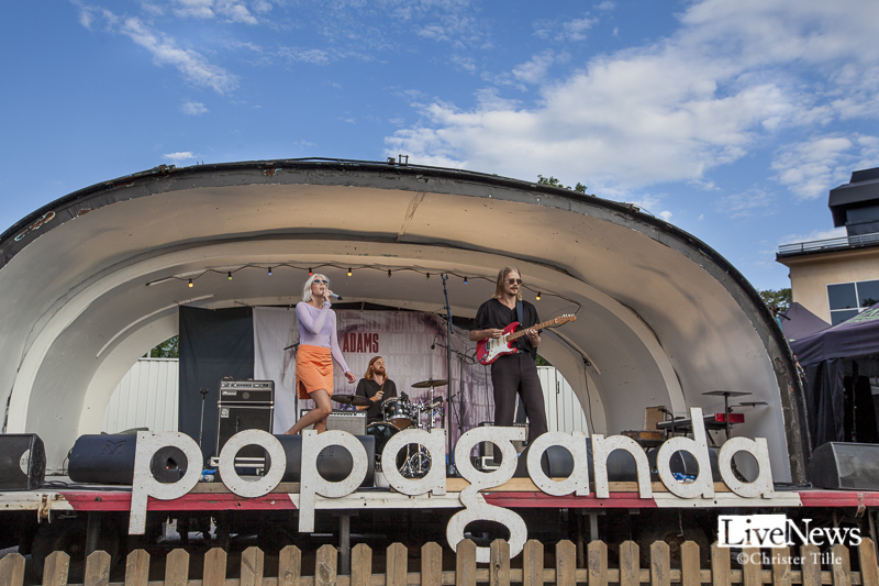 Julia Adams på Popaganda Parkteatern