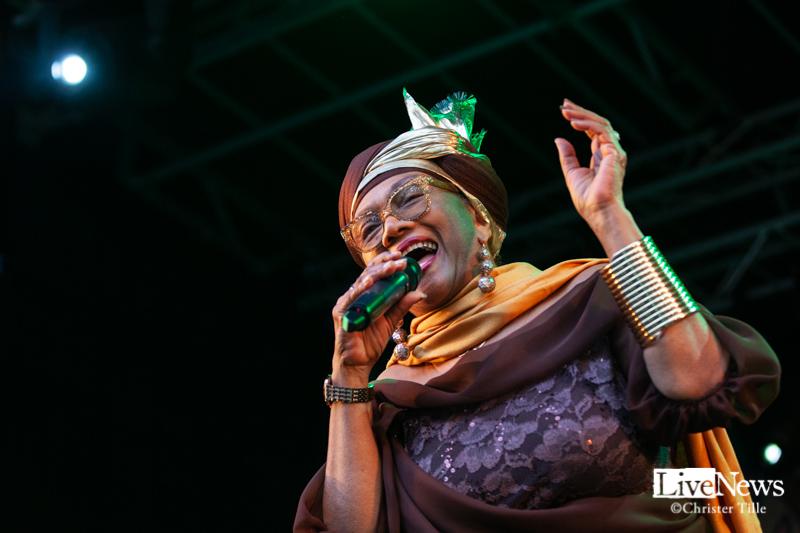 Ikaya, Marcia Griffiths & Roots Harmonics band på Öland Roots